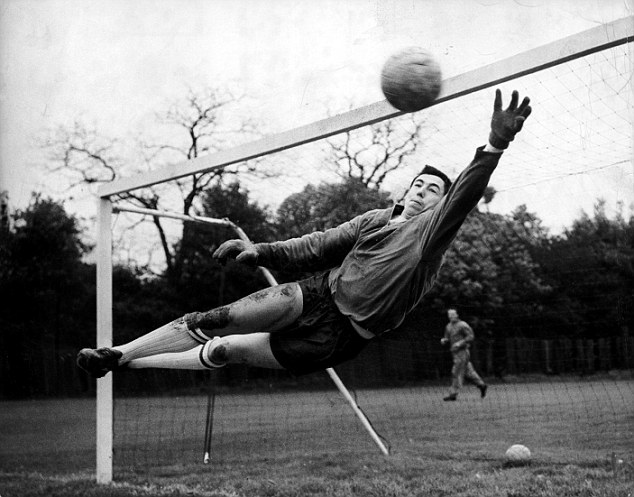 O istorie scurtă a mănușilor de portar! De fotbal! Capitolul 3!